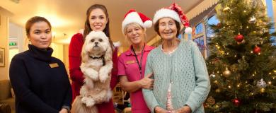 Pip and Pup are a Christmas hit at Bridgnorth nursing home