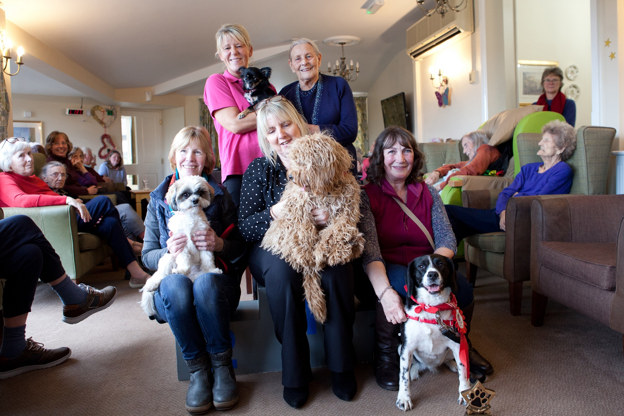 A dog show of affection charms nursing home residents